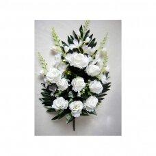 Puokštė rožių su frezijomis plokščia